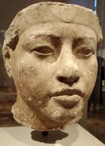 PortraitStudyOfAmenhotepIII-ThutmoseWorkshop_EgyptianMuseumBerlin